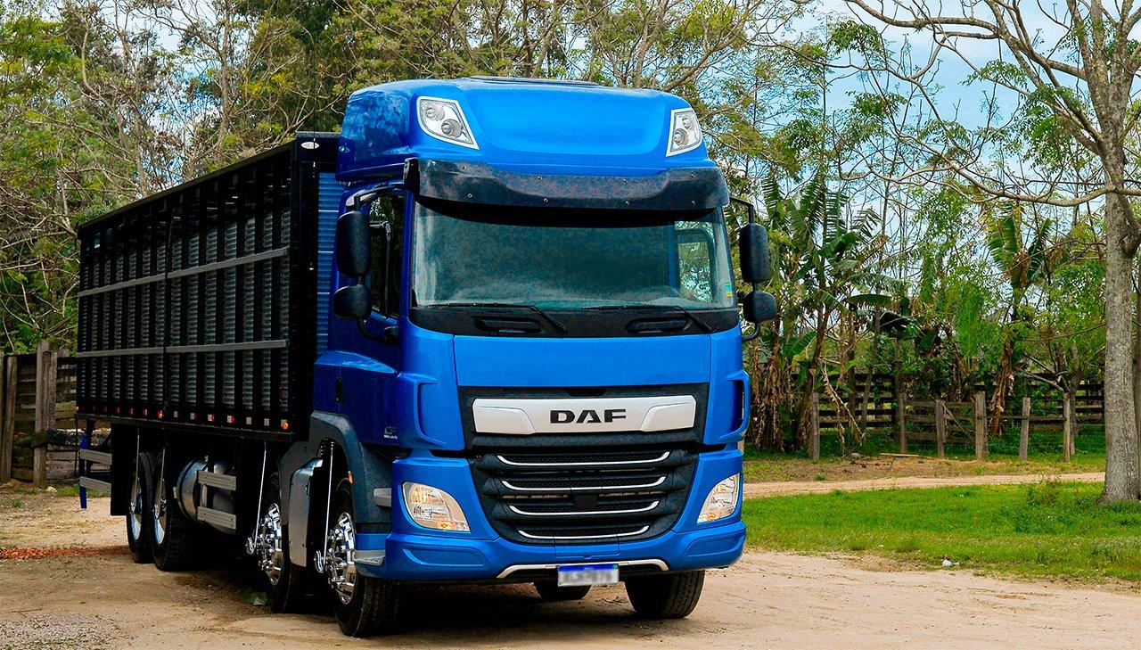 Primeiro CF bitruck 8×2 rígido feito pela DAF no Brasil já tem dono